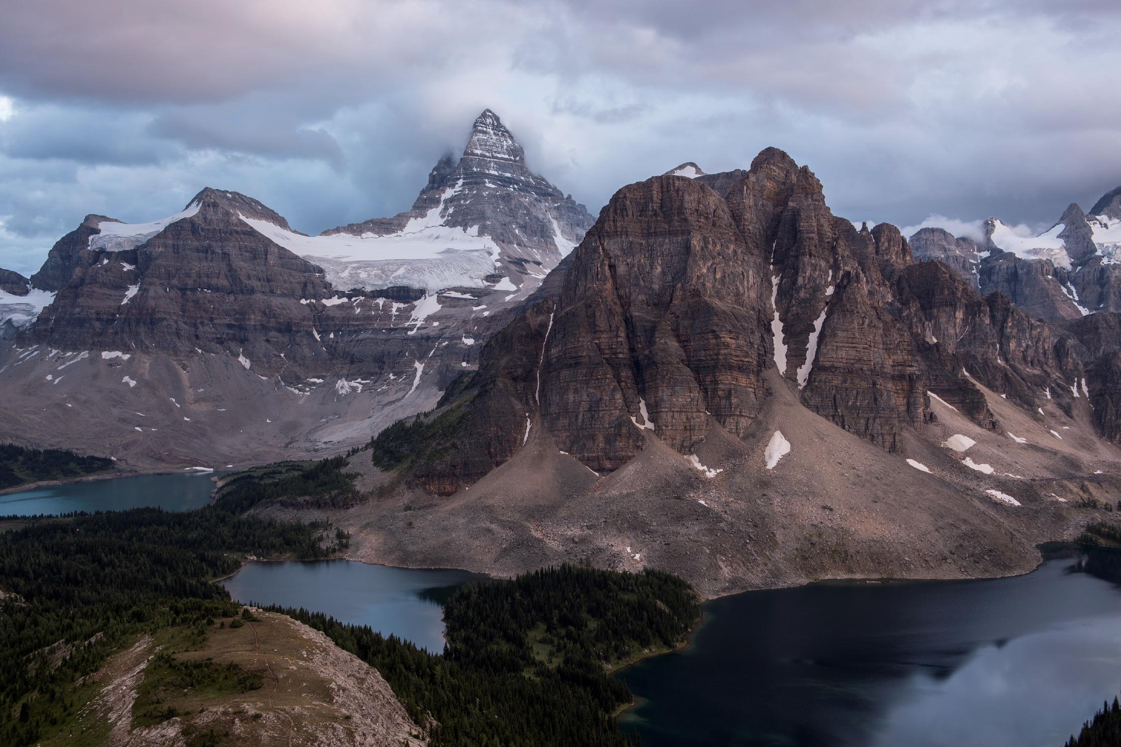 Hiking in Mount Assiniboine Provincial Park